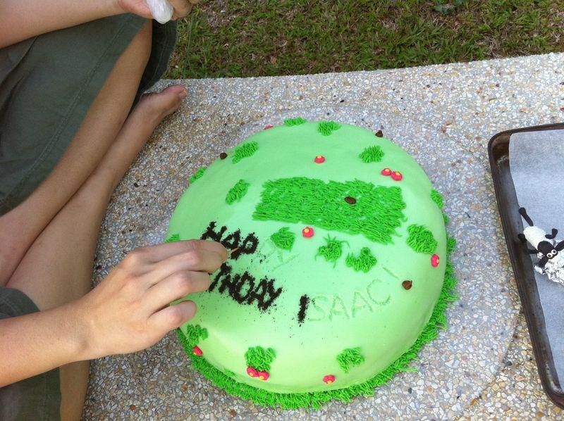 Shaun cake 3