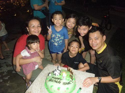 2010 nov shaun cake 049