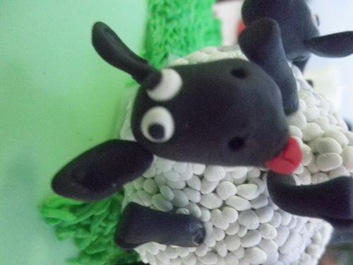 2010 nov shaun cake 027