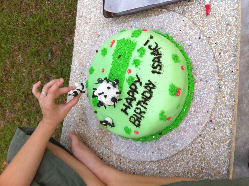 Shaun cake 5