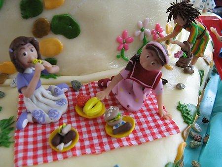 Little picnic scene